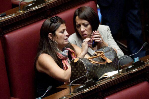 Chi Era Jole Santelli Dalle Suore Spagnole A Berlusconi La Prima Intervista Al Sette 2004 Iacchite Blog
